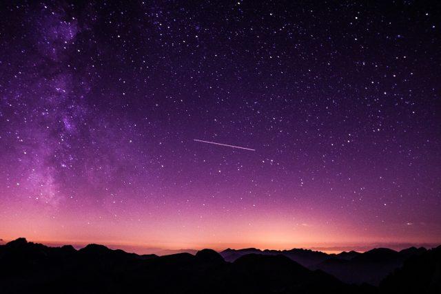 Padající hvězda, hvězdy, obloha, nebe, vesmír