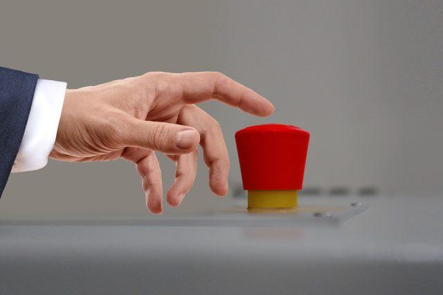 Nouzové tlačítko (ilustr. obr.)