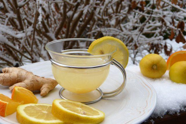 Nachlazení i chřipku bychom měli vyležet v teple, s dostatečným přísunem vitamínů