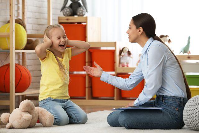 Autismus, dítě s autismem, terapie