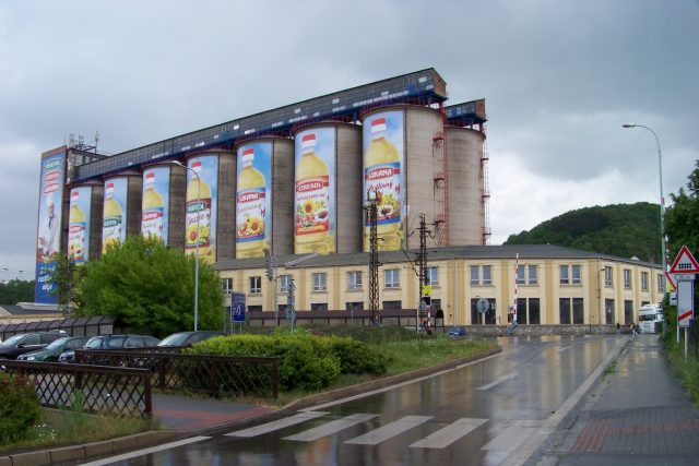 Setuza na ústeckém Střekově   foto:  ŠJů,  Wikimedia Commons,  CC BY 4.0