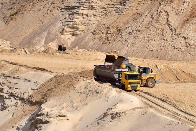 Těžba písku  (ilustr. obr.)   foto: Profimedia