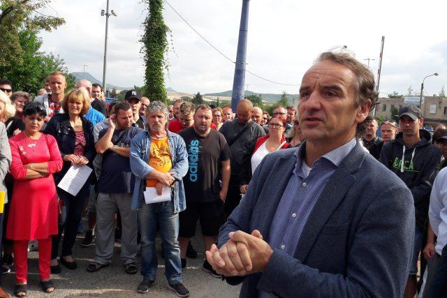 Ředitel firmy Legios Loco Petre Vlček hovoři se zaměstnanci
