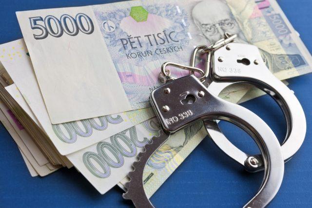 Pouta a peníze  (ilustr. obr.)   foto: Profimedia