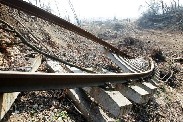 Sesuv na trati v Českém středohoří