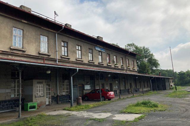 Louka u Litvínova,  nádražní budova | foto: Jan Beneš,  Český rozhlas