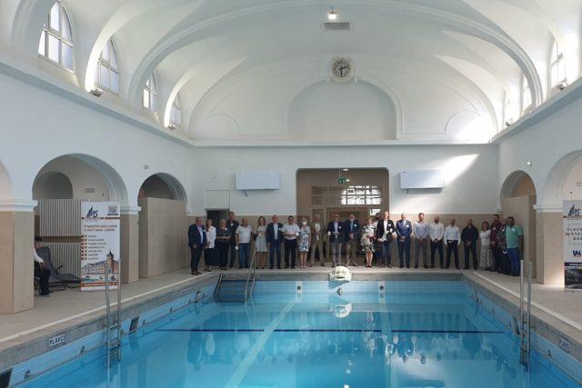 V Ústí nad Labem se pro veřejnost otevírá opravený bazén v městských lázních | foto: Jan Bachorík,  Český rozhlas