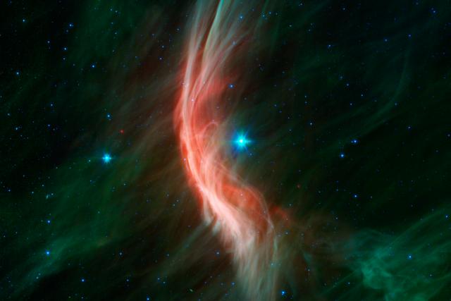 Hvězdný vítr z obří hvězdy Zeta Ophiuchi v souhvězdí Hadonoše má nepřehlédnutelný vliv na oblaka mezihvězdného prachu, která hvězdu obklopují. Rázová vlna v podobě oblouku je ovšem vidět pouze v infračerveném oboru