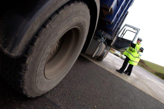 Policejní kontrola kamionu