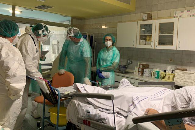 Vizita na covidovém oddělení náchodské nemocnice