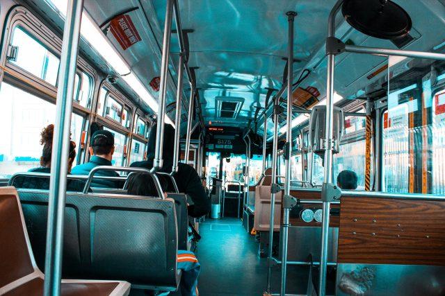 bus - autobus - veřejná doprava