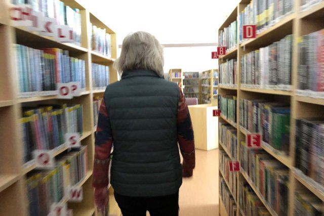 V knihovně  (ilustr. obr.) | foto: Kateřina Kohoutová,  Český rozhlas
