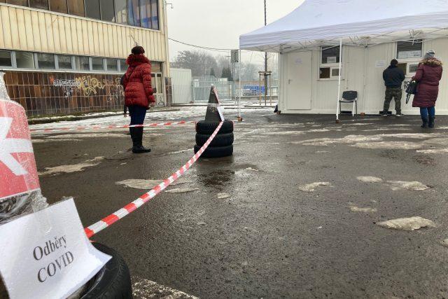 V Děčíně je v provozu další oběrové místo na covid-19. Lidé ho najdou před zimním stadionem