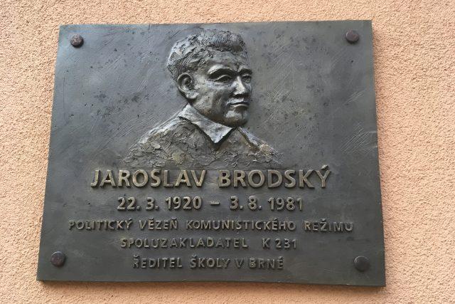 Jaroslav Brodský má pamětní desku na školce v Brné