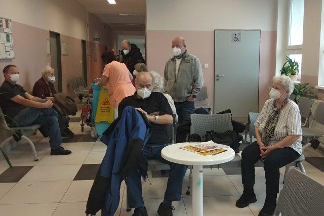 Očkování seniorů v bílinské nemocnici