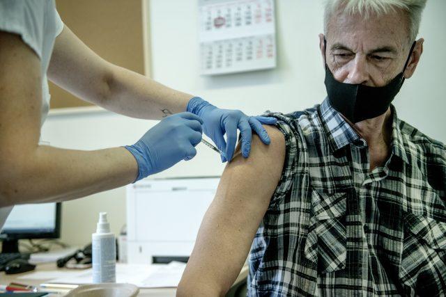 Očkování proti covidu-19 | foto: Michaela Danelová,  iROZHLAS.cz