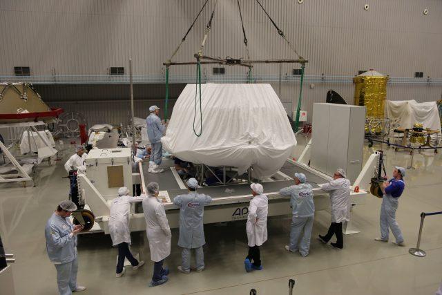 Sonda ExoMars 2020 byla vyvinuta Evropskou vesmírnou agenturou ve spolupráci s ruskou agenturou Roskosmos