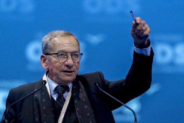 Předseda Senátu Jaroslav Kubera na kongresu ODS  | foto: Petr Topič/MAFRA,  Profimedia