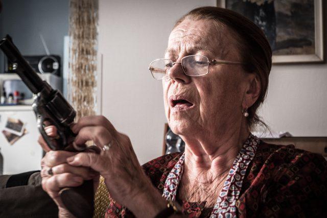 Iva Janžurová ve filmu Teroristka | foto: Cinemart